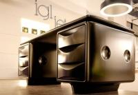 تصميم مكتب ارنست مستوحى من رجال في الأسود