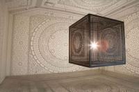 الإضاءة المزخرفة تحول الغرف العادية إلى تحف معمارية