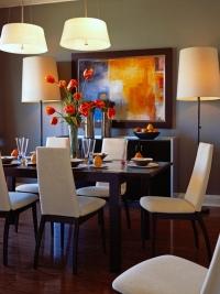 الألوان الدافئة بغرفة الطعام تفتح شهية أسرتك