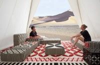 قعدة عربية بالوان مشرقة باسلوب عصري لتصميم المودرن